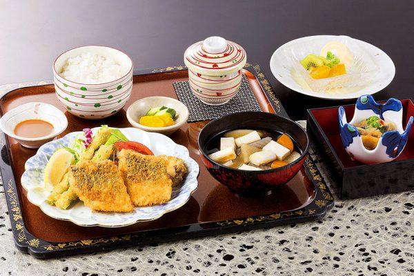 9月【平日ランチ・数量限定】鯵フライ定食