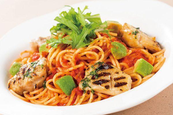 12月・1月【ランチセット】 炭火焼チキン入り バジル風味のトマトスパゲティ