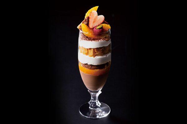 【マンスリーグラススイーツ】チョコレートとオレンジのパフェ