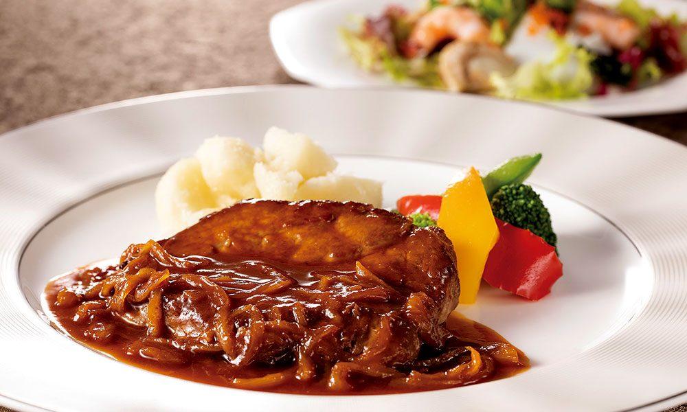 【9月】プレミアムランチ「牛肉のカルボナード」