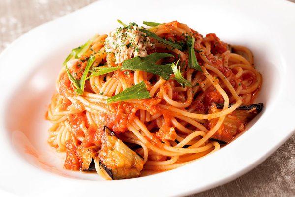 【8月・9月】ランチセット「茄子とツナのトマトソーススパゲティ」