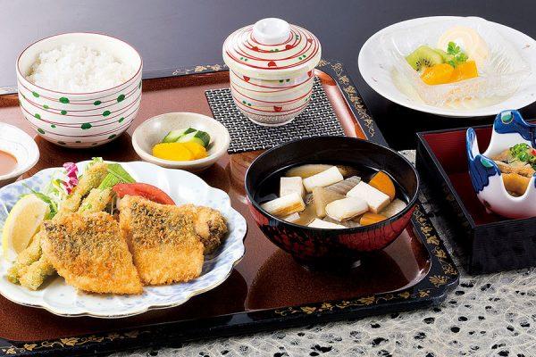 【9月】 平日のみ・数量限定ランチ 「鯵フライ定食」