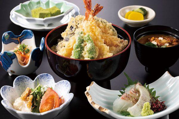 平日のみ・数量限定ランチ「天丼定食」