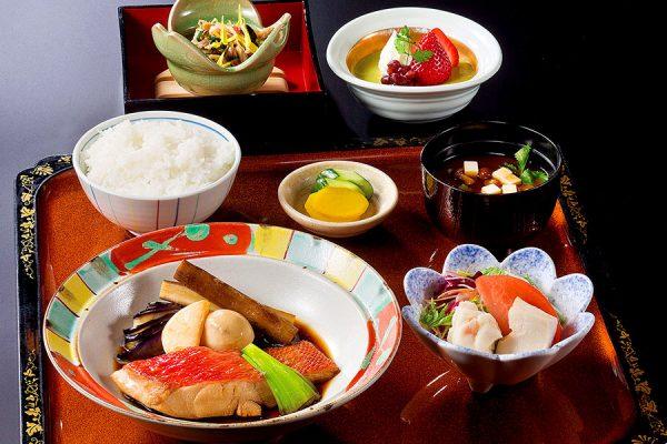 【12月】 平日のみ・数量限定ランチ「煮魚定食」