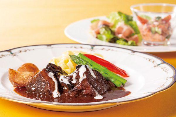 【3月・4月】プレミアムランチ「牛ホホ肉の赤ワイン煮」
