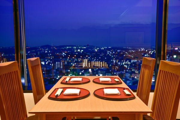 日本料理<みやま>店内(夜景)